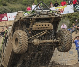 land_rover_party_2017_supertrack
